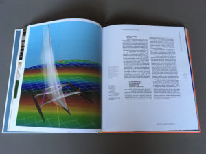 Double page extraite du livre Horizons Ultimes, avec une vue des outils numériques utilisés par les architectes navals.